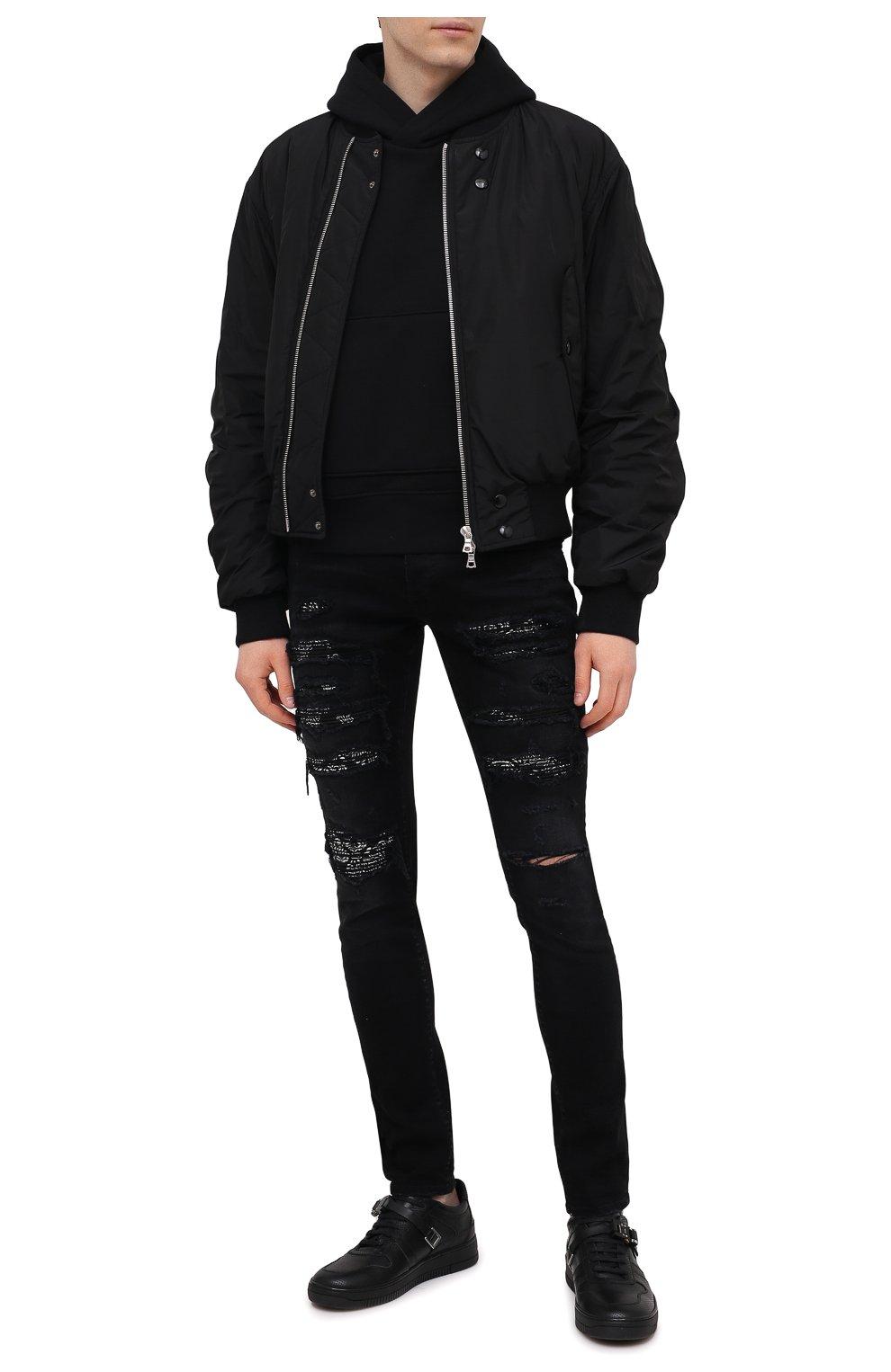 Мужские джинсы AMIRI черного цвета, арт. MDS014-003 | Фото 2 (Силуэт М (брюки): Узкие; Кросс-КТ: Деним; Длина (брюки, джинсы): Стандартные; Стили: Гранж; Материал внешний: Хлопок; Детали: Потертости)