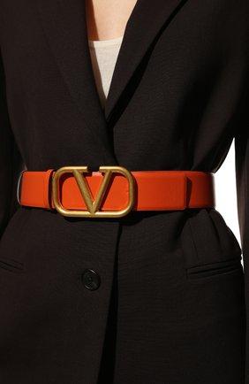 Женский кожаный ремень vlogo VALENTINO оранжевого цвета, арт. VW0T0S11/ZFR | Фото 2 (Материал: Кожа)