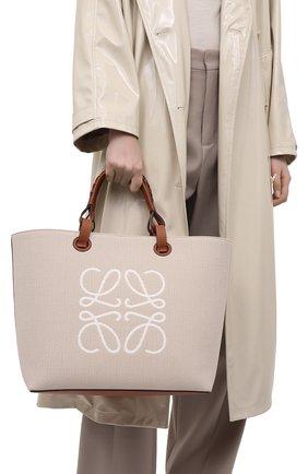 Женский сумка-тоут anagram LOEWE кремвого цвета, арт. A717T23X02 | Фото 2 (Сумки-технические: Сумки-шопперы; Ошибки технического описания: Нет ширины; Материал: Текстиль; Размер: medium)