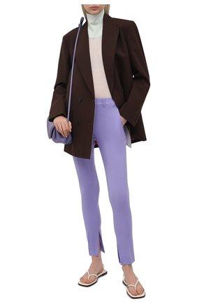 Женские шерстяные брюки VERSACE сиреневого цвета, арт. A89061/1F01050 | Фото 2