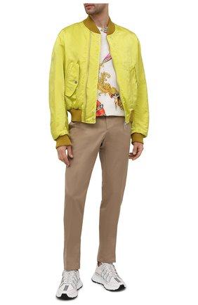 Мужская хлопковая футболка VERSACE разноцветного цвета, арт. A76113/1F01159   Фото 2 (Материал внешний: Хлопок; Длина (для топов): Стандартные; Рукава: Короткие; Стили: Бохо; Принт: С принтом)