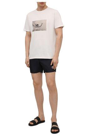 Мужские плавки-шорты MONCLER темно-синего цвета, арт. G1-091-2C708-00-53326 | Фото 2