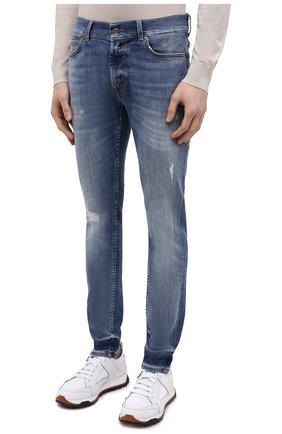 Мужские джинсы 7 FOR ALL MANKIND синего цвета, арт. JSMVB500PH   Фото 3 (Силуэт М (брюки): Узкие; Кросс-КТ: Деним; Длина (брюки, джинсы): Стандартные; Стили: Гранж; Материал внешний: Хлопок; Детали: Потертости)