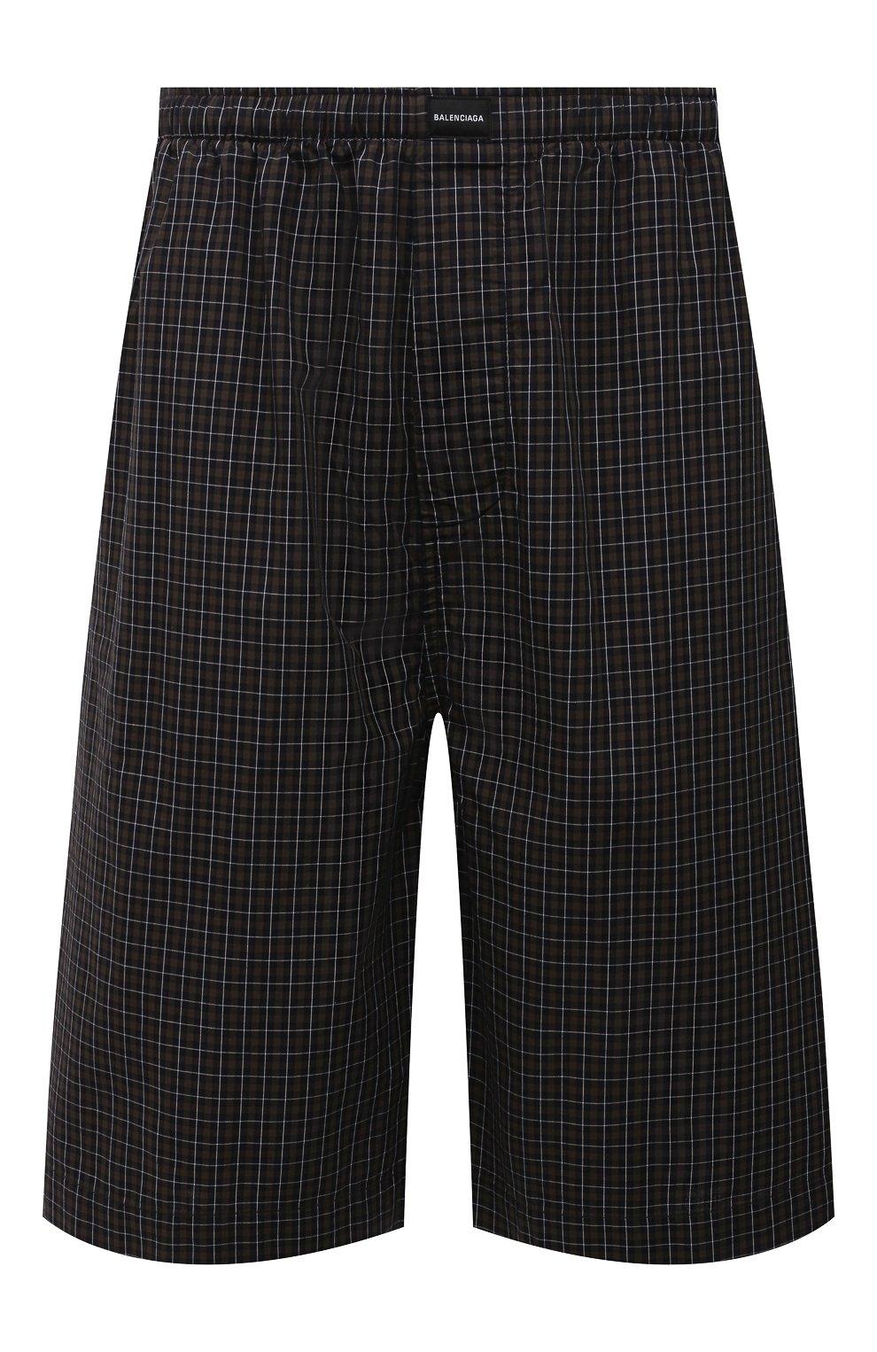 Мужские хлопковые шорты BALENCIAGA хаки цвета, арт. 658413/TKM34 | Фото 1 (Мужское Кросс-КТ: Шорты-одежда; Длина Шорты М: Ниже колена; Принт: С принтом; Материал внешний: Хлопок; Стили: Минимализм)