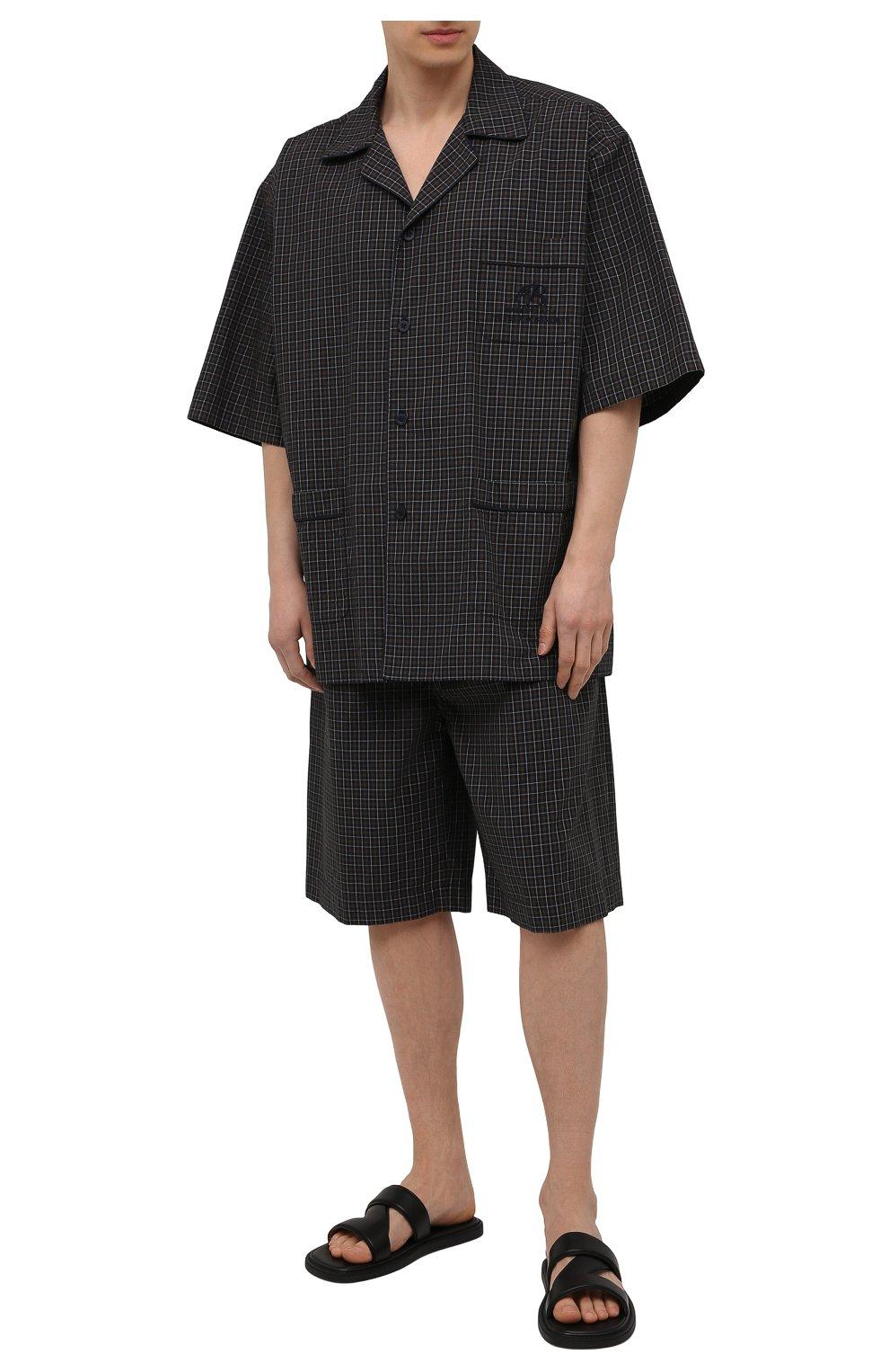 Мужская хлопковая рубашка BALENCIAGA хаки цвета, арт. 658845/TKM34   Фото 2 (Принт: Клетка; Рукава: Короткие; Случай: Повседневный; Длина (для топов): Стандартные, Удлиненные; Материал внешний: Хлопок; Воротник: Отложной; Стили: Минимализм)