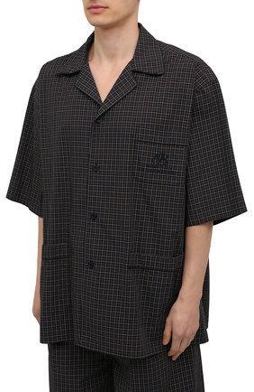Мужская хлопковая рубашка BALENCIAGA хаки цвета, арт. 658845/TKM34   Фото 3 (Принт: Клетка; Рукава: Короткие; Случай: Повседневный; Длина (для топов): Стандартные, Удлиненные; Материал внешний: Хлопок; Воротник: Отложной; Стили: Минимализм)
