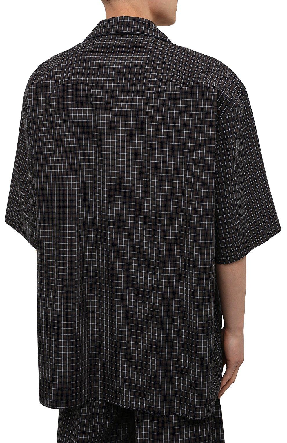 Мужская хлопковая рубашка BALENCIAGA хаки цвета, арт. 658845/TKM34   Фото 4 (Принт: Клетка; Рукава: Короткие; Случай: Повседневный; Длина (для топов): Стандартные, Удлиненные; Материал внешний: Хлопок; Воротник: Отложной; Стили: Минимализм)