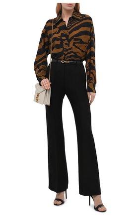 Женская рубашка TOM FORD коричневого цвета, арт. CA3191-FAP139 | Фото 2 (Длина (для топов): Удлиненные; Рукава: Длинные; Материал внешний: Лиоцелл; Женское Кросс-КТ: Рубашка-одежда; Принт: С принтом; Стили: Кэжуэл)
