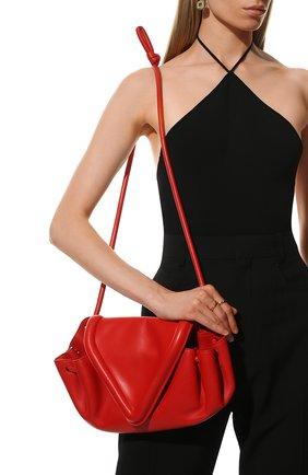 Женская сумка beak medium BOTTEGA VENETA красного цвета, арт. 658523/VCP30   Фото 2 (Материал: Натуральная кожа; Сумки-технические: Сумки через плечо; Размер: medium)