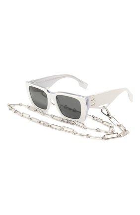 Солнцезащитные очки и цепочка | Фото №1