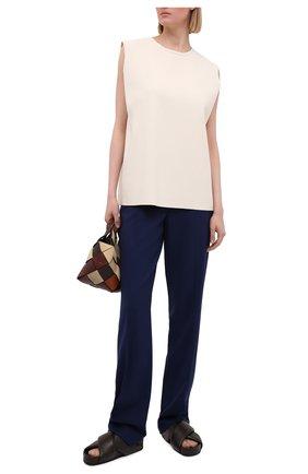 Женские шерстяные брюки RALPH LAUREN синего цвета, арт. 290840132 | Фото 2 (Материал внешний: Шерсть; Стили: Кэжуэл; Женское Кросс-КТ: Брюки-одежда; Длина (брюки, джинсы): Удлиненные; Силуэт Ж (брюки и джинсы): Расклешенные)