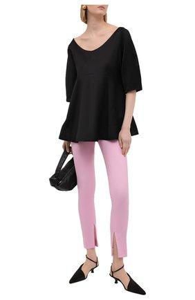 Женские шерстяные брюки VERSACE светло-розового цвета, арт. A89061/1F01050 | Фото 2