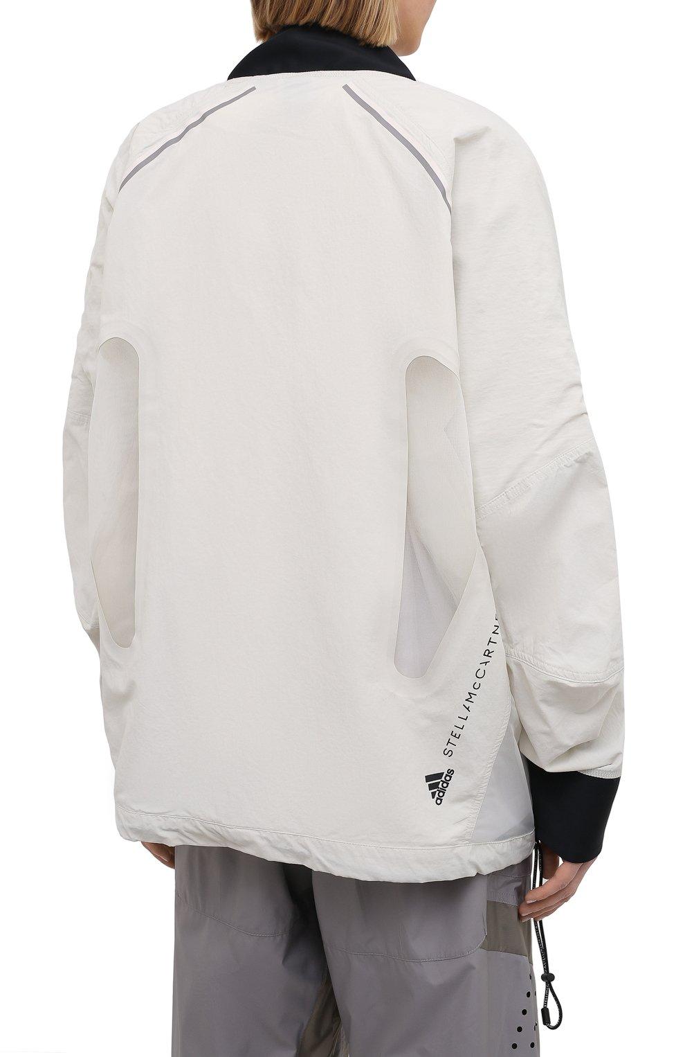 Женская ветровка ADIDAS BY STELLA MCCARTNEY серого цвета, арт. GL7630 | Фото 4 (Кросс-КТ: Куртка, Ветровка; Рукава: Длинные; Женское Кросс-КТ: Куртка-спорт; Материал внешний: Синтетический материал; Стили: Спорт-шик; Длина (верхняя одежда): Короткие)