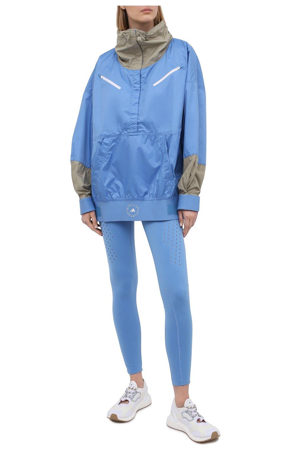 Женская ветровка ADIDAS BY STELLA MCCARTNEY голубого цвета, арт. GL7332 | Фото 2 (Кросс-КТ: Куртка, Ветровка; Рукава: Длинные; Женское Кросс-КТ: Куртка-спорт; Длина (верхняя одежда): До середины бедра; Материал внешний: Синтетический материал; Стили: Спорт-шик)