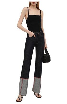 Женские джинсы VICTORIA BECKHAM темно-синего цвета, арт. 1221DJE002654A | Фото 2