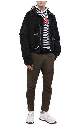 Мужской хлопковое худи DSQUARED2 черно-белого цвета, арт. S71GU0441/STJ329 | Фото 2 (Материал внешний: Хлопок; Рукава: Длинные; Длина (для топов): Стандартные; Мужское Кросс-КТ: Худи-одежда; Принт: С принтом; Стили: Гранж)