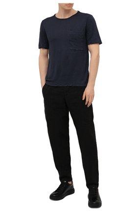 Мужская футболка TRANSIT темно-синего цвета, арт. CFUTRN4391 | Фото 2 (Материал внешний: Растительное волокно; Принт: Без принта; Длина (для топов): Стандартные; Стили: Кэжуэл; Рукава: Короткие)