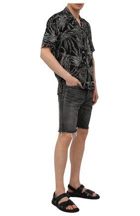 Мужские джинсовые шорты SAINT LAURENT темно-серого цвета, арт. 638547/Y07KB | Фото 2 (Длина Шорты М: До колена; Кросс-КТ: Деним; Принт: Без принта; Материал внешний: Хлопок, Деним; Стили: Гранж)