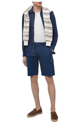 Мужская льняная рубашка FIORONI синего цвета, арт. MCV22DENG1 | Фото 2 (Воротник: Акула; Материал внешний: Лен; Стили: Кэжуэл; Длина (для топов): Стандартные; Манжеты: На пуговицах; Рукава: Длинные; Принт: Однотонные; Случай: Повседневный)
