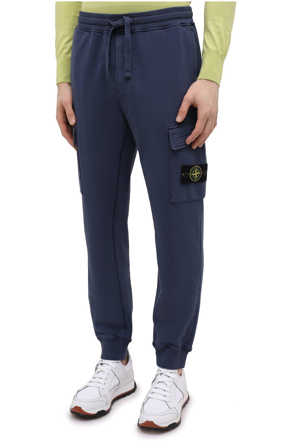 Мужские хлопковые джоггеры STONE ISLAND темно-синего цвета, арт. 741565251   Фото 3 (Силуэт М (брюки): Карго, Джоггеры; Мужское Кросс-КТ: Брюки-трикотаж; Длина (брюки, джинсы): Стандартные; Материал внешний: Хлопок; Стили: Спорт-шик)