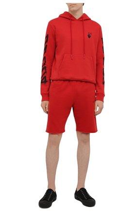 Мужские хлопковые шорты OFF-WHITE красного цвета, арт. 0MCI006S21FLE003 | Фото 2