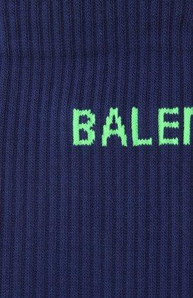Мужские хлопковые носки BALENCIAGA синего цвета, арт. 540633/472B4 | Фото 2 (Материал внешний: Хлопок; Кросс-КТ: бельё)