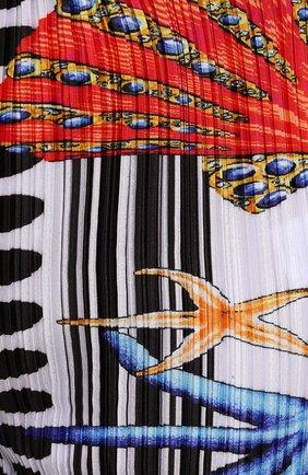 Женские брюки VERSACE разноцветного цвета, арт. A89220/1F01292 | Фото 5 (Длина (брюки, джинсы): Удлиненные; Женское Кросс-КТ: Брюки-одежда; Материал внешний: Синтетический материал; Силуэт Ж (брюки и джинсы): Расклешенные; Стили: Романтичный)