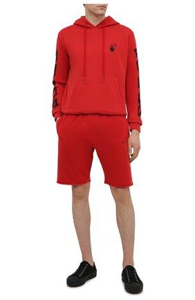Мужской хлопковое худи OFF-WHITE красного цвета, арт. 0MBB034S21FLE004 | Фото 2 (Стили: Гранж, Спорт-шик; Рукава: Длинные; Длина (для топов): Стандартные; Мужское Кросс-КТ: Худи-одежда; Материал внешний: Хлопок; Принт: С принтом)