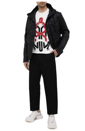 Мужская пуховая куртка 5 moncler craig green MONCLER GENIUS черного цвета, арт. G1-09H-1A000-10-5396Q | Фото 2 (Материал внешний: Синтетический материал; Мужское Кросс-КТ: пуховик-короткий; Материал подклада: Синтетический материал; Материал утеплителя: Пух и перо; Длина (верхняя одежда): Короткие; Стили: Кэжуэл; Кросс-КТ: Куртка; Рукава: Длинные)