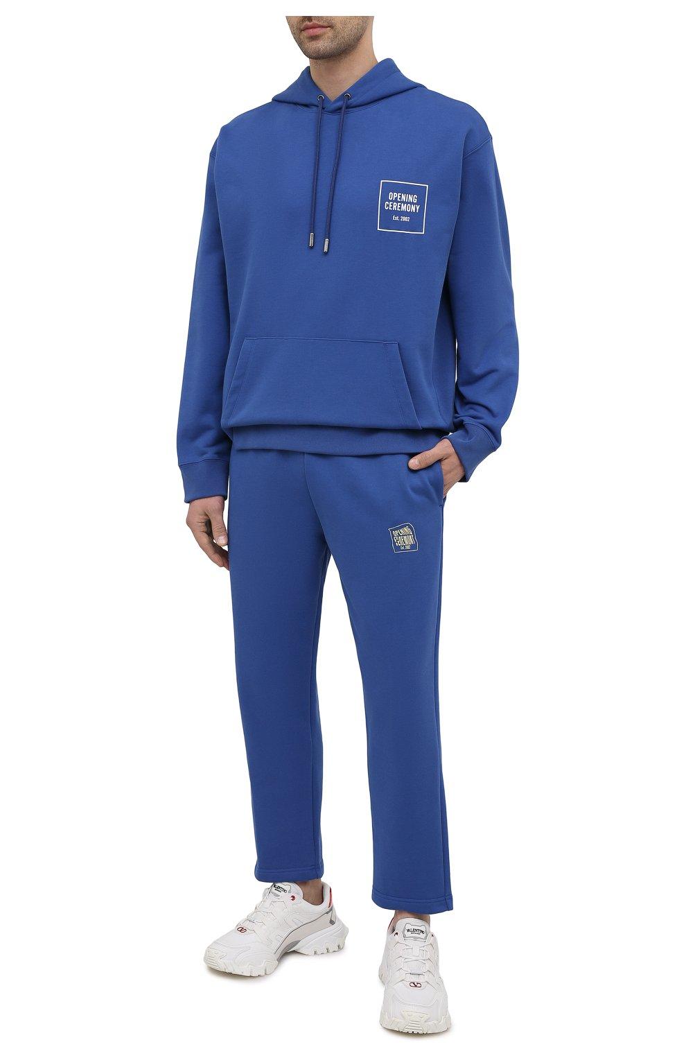Мужские хлопковые брюки OPENING CEREMONY синего цвета, арт. YMCH003S21FLE002 | Фото 2 (Мужское Кросс-КТ: Брюки-трикотаж; Кросс-КТ: Спорт; Материал внешний: Хлопок; Стили: Спорт-шик; Длина (брюки, джинсы): Укороченные)