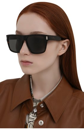 Женские солнцезащитные очки SAINT LAURENT темно-коричневого цвета, арт. SL 424 002 | Фото 2