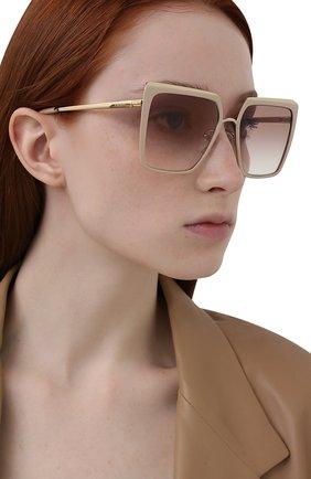 Женские солнцезащитные очки PRADA бежевого цвета, арт. 58WS-03R1L0 | Фото 2