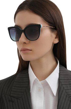 Женские солнцезащитные очки TIFFANY & CO. черного цвета, арт. 4176-80559S | Фото 2