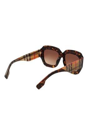 Женские солнцезащитные очки BURBERRY коричневого цвета, арт. 4334-393013 | Фото 4