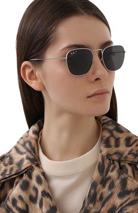 Женские солнцезащитные очки RAY-BAN серебряного цвета, арт. 8157-920948 | Фото 2