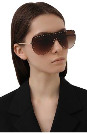 Женские солнцезащитные очки VERSACE коричневого цвета, арт. 2230B-125213 | Фото 2 (Тип очков: С/з; Очки форма: Маска; Оптика Гендер: оптика-женское)