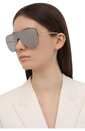 Женские солнцезащитные очки VERSACE серого цвета, арт. 2230B-12526G | Фото 2 (Оптика Гендер: оптика-женское; Очки форма: Маска; Тип очков: С/з)