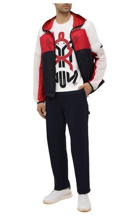 Мужские хлопковые брюки 5 moncler craig green MONCLER GENIUS темно-синего цвета, арт. G1-09H-2A000-02-M1248 | Фото 2 (Материал внешний: Хлопок; Случай: Повседневный; Длина (брюки, джинсы): Стандартные; Стили: Кэжуэл)
