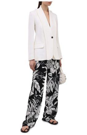 Женские брюки из вискозы TOM FORD черно-белого цвета, арт. PAJ074-FAP115 | Фото 2