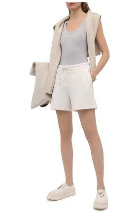 Женские хлопковые шорты VINCE бежевого цвета, арт. V734383488 | Фото 2