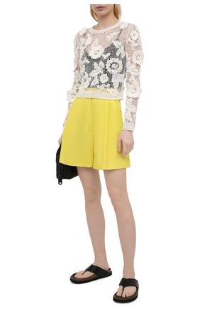 Женские хлопковые шорты DRIES VAN NOTEN желтого цвета, арт. 211-10927-2109 | Фото 2