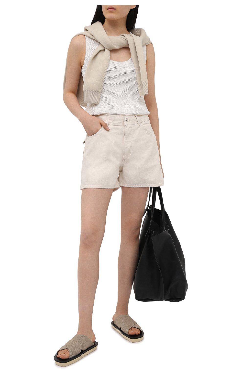 Женские джинсовые шорты JIL SANDER светло-бежевого цвета, арт. JPPS663122-WS246500   Фото 2 (Женское Кросс-КТ: Шорты-одежда; Кросс-КТ: Деним; Длина Ж (юбки, платья, шорты): Мини; Стили: Гранж; Материал внешний: Хлопок)