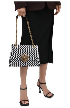 Женская сумка devotion DOLCE & GABBANA черно-белого цвета, арт. BB6728/A0327   Фото 2 (Ремень/цепочка: С цепочкой, На ремешке; Размер: medium; Материал: Натуральная кожа; Сумки-технические: Сумки через плечо)