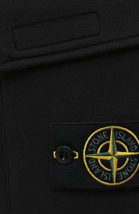 Мужские хлопковые шорты STONE ISLAND черного цвета, арт. 741565651   Фото 5 (Длина Шорты М: До колена; Принт: Без принта; Кросс-КТ: Трикотаж; Материал внешний: Хлопок; Стили: Спорт-шик)