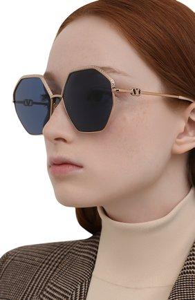 Женские солнцезащитные очки VALENTINO голубого цвета, арт. 2044-300480   Фото 2
