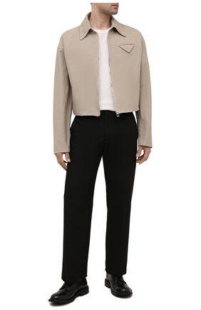 Мужская хлопковая куртка BOTTEGA VENETA бежевого цвета, арт. 646907/V0BT0 | Фото 2 (Кросс-КТ: Куртка, Ветровка; Материал подклада: Вискоза; Длина (верхняя одежда): Короткие; Материал внешний: Хлопок; Рукава: Длинные; Стили: Минимализм)