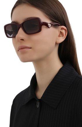 Женские солнцезащитные очки DOLCE & GABBANA бордового цвета, арт. 6152-32858G | Фото 2 (Тип очков: С/з; Очки форма: Прямоугольные; Оптика Гендер: оптика-женское)