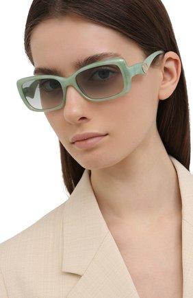 Женские солнцезащитные очки DOLCE & GABBANA светло-зеленого цвета, арт. 6152-3301/2 | Фото 2 (Тип очков: С/з; Оптика Гендер: оптика-женское; Очки форма: Прямоугольные)