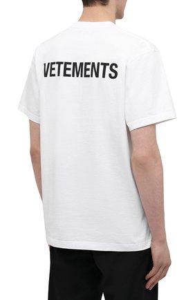Мужская хлопковая футболка VETEMENTS белого цвета, арт. UA52TR240W 1602/M | Фото 4 (Рукава: Короткие; Длина (для топов): Стандартные; Принт: С принтом; Материал внешний: Хлопок)