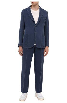 Мужские шелковые брюки BRIONI темно-синего цвета, арт. RPAI0M/P0T00/CAPRI   Фото 2 (Материал внешний: Шелк; Случай: Повседневный; Длина (брюки, джинсы): Стандартные)